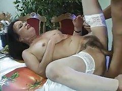 Érett nő és a srác - 21